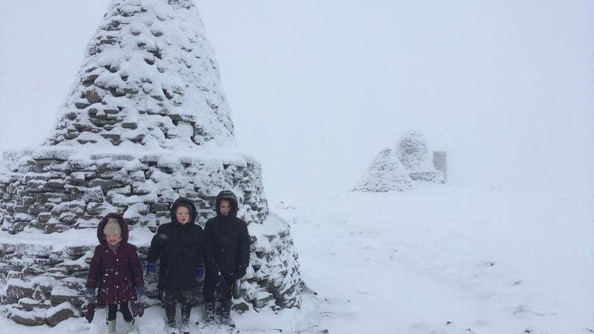 Kate Jackson Snowy scenes this morning when Tommy (8), Joey (6) and Ellie (3) Jackson made it to the top of the Nine Standards!